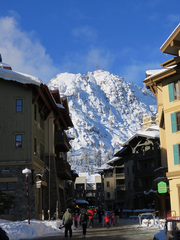 Squaw Village, Squaw Valley