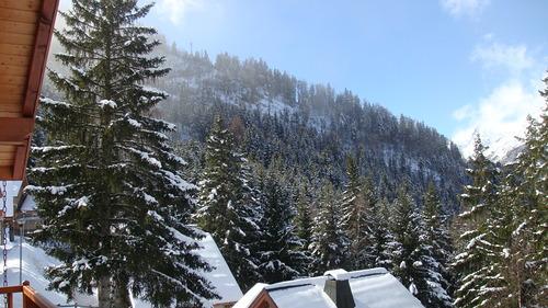 Oz en Oisans Ski Resort by: Gary Smith