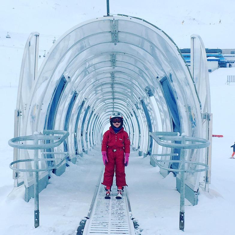 Learning to ski, Stubai Glacier