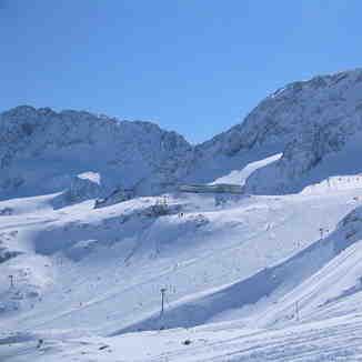 Eisgrat from Daunfernau, Stubai Glacier