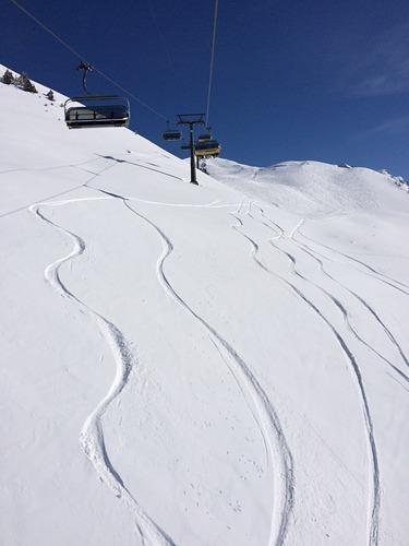 Meiringen-Hasliberg Ski Resort by: Sowerbob
