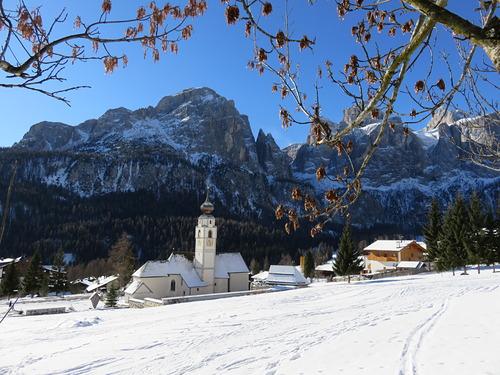 Corvara (Alta Badia) Ski Resort by: robert smalley