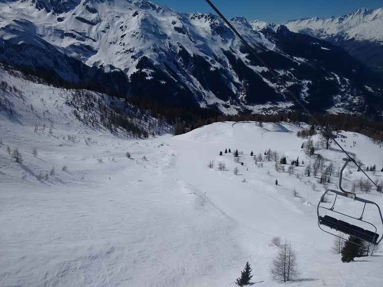 Great for mixed groups. Some great blue runs that all levels can have fun on., Sainte Foy