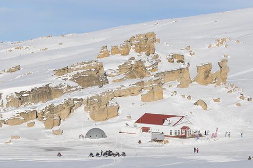 Calafate Mountain Park Ski Resort by: Gabriela Gelmi
