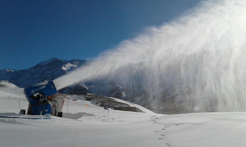 fabricacion de nieve, Las Leñas