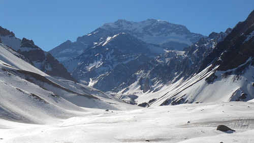 Aconcagua Ski Resort by: Adriano Azevedo