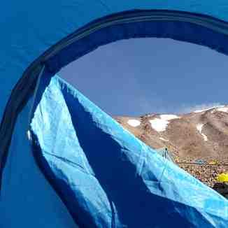 نمائی از دماوند از داخل چادر, Mount Damavand