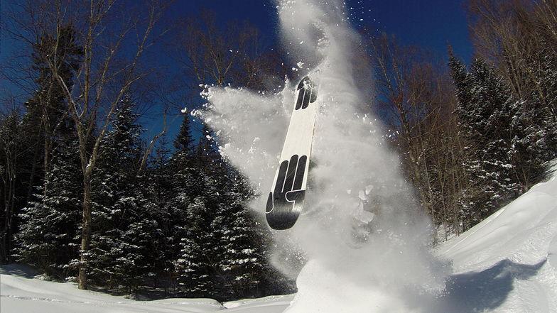 Smashing snow!, Ski La Reserve