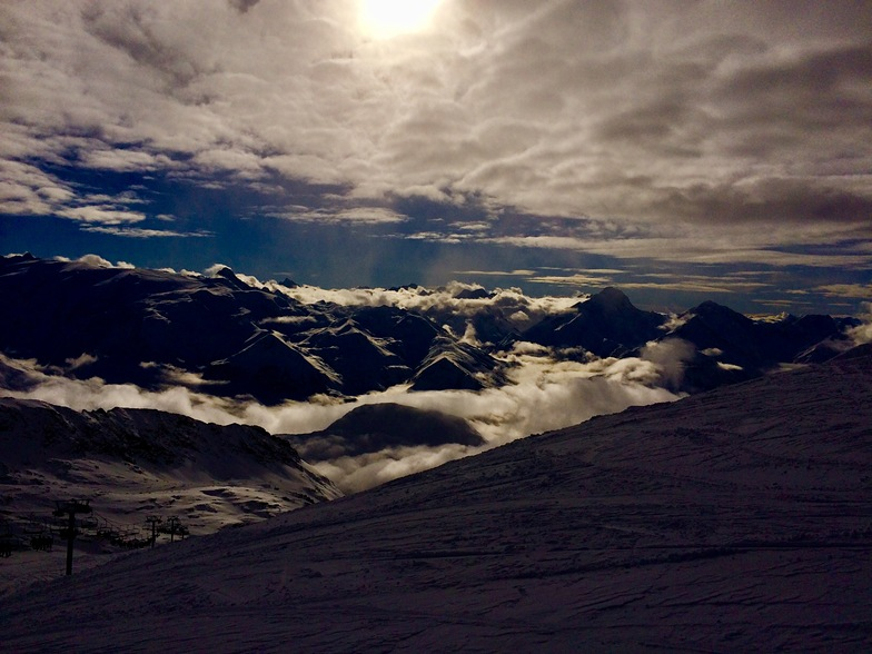 End of the day on the glacier, Alpe d'Huez