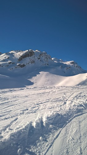 La Thuile Ski Resort by: Edmond Nico