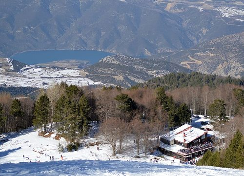 Elatohori Pierias Ski Resort by: Aimilios Sofos