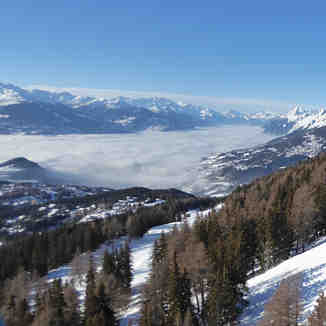 SKIING ON TOP OF THE CLOUDS, Crans Montana