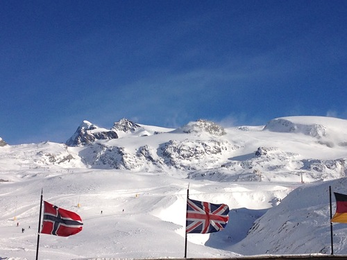 Breuil-Cervinia Valtournenche Ski Resort by: Paul Todd