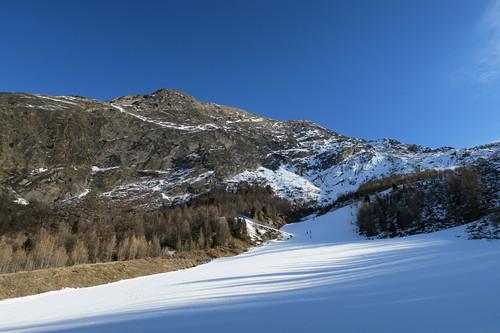 Saas Almagell Ski Resort by: Hiro