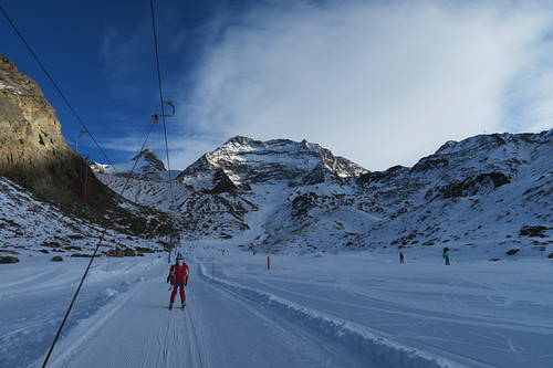 Saas Grund Ski Resort by: Hiro