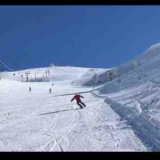 Zaarour middle slope, Zaarour Club