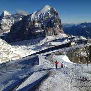 Cortina Snow: Top of The Hidden Valley (Lagazuoi)