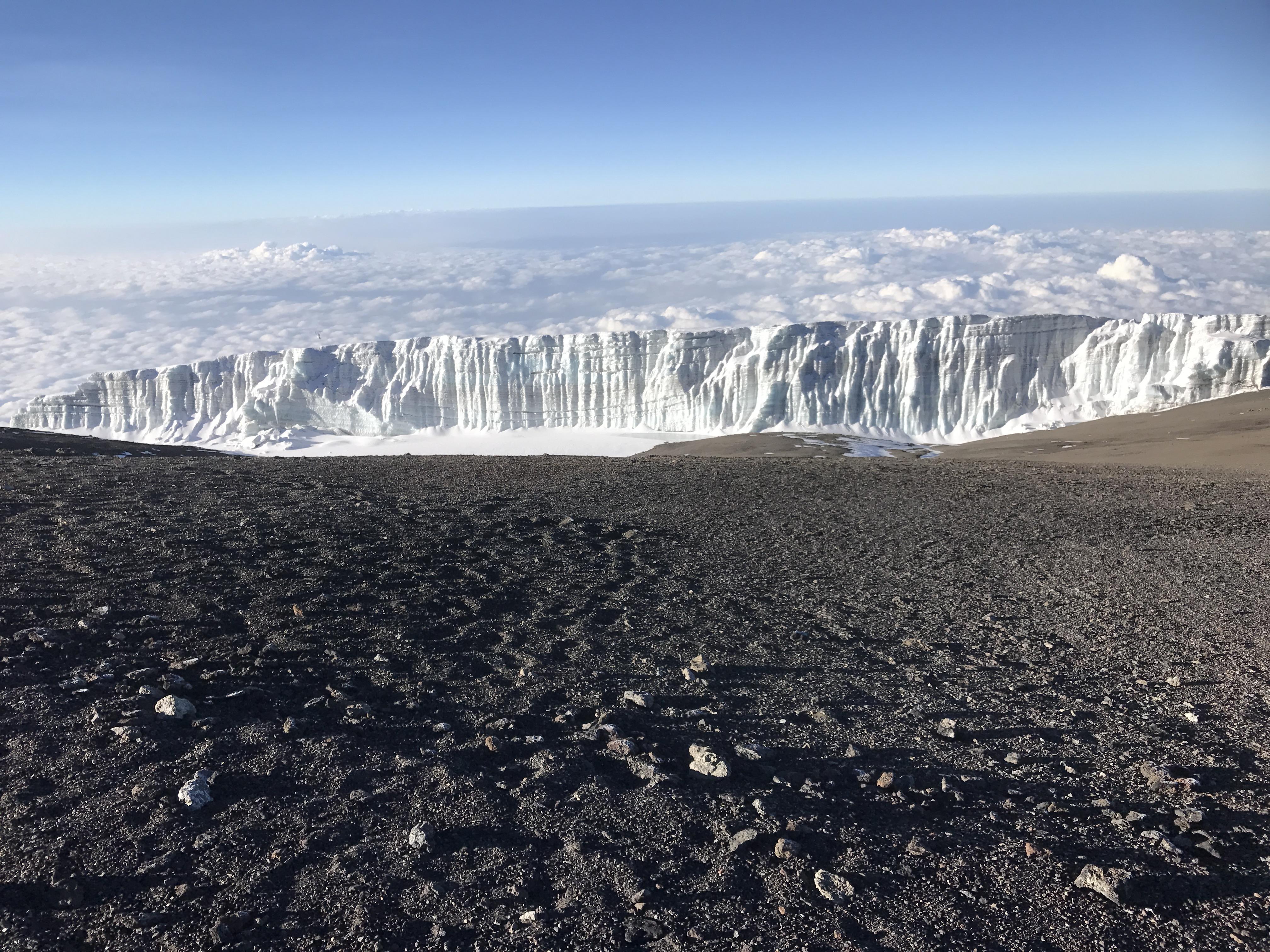 Uhuru Peak 5895 meter Kilimanjaro, Mount Kilimanjaro