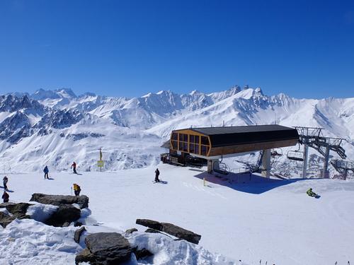 Valloire Ski Resort by: VANDEL Antony