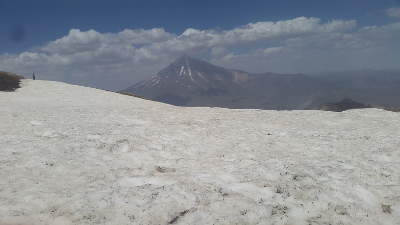snow pashoreh damavand, Mount Damavand