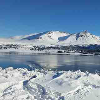 Caviahue Snow: Lago Caviahue
