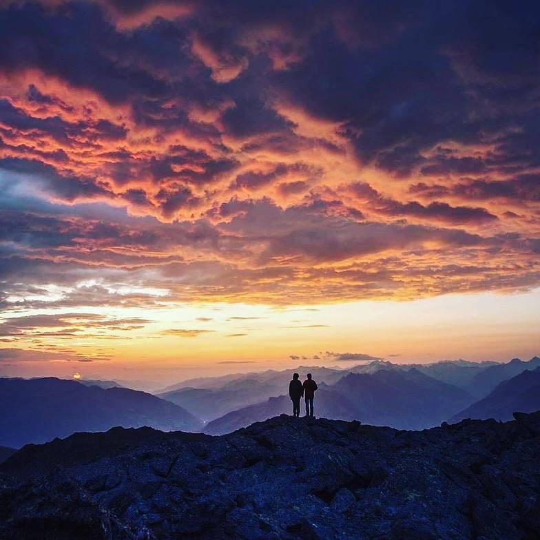 You will never walk alone, Stubai Glacier