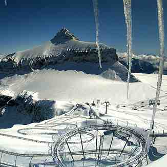 First snowfall of the season, Gstaad Glacier 3000