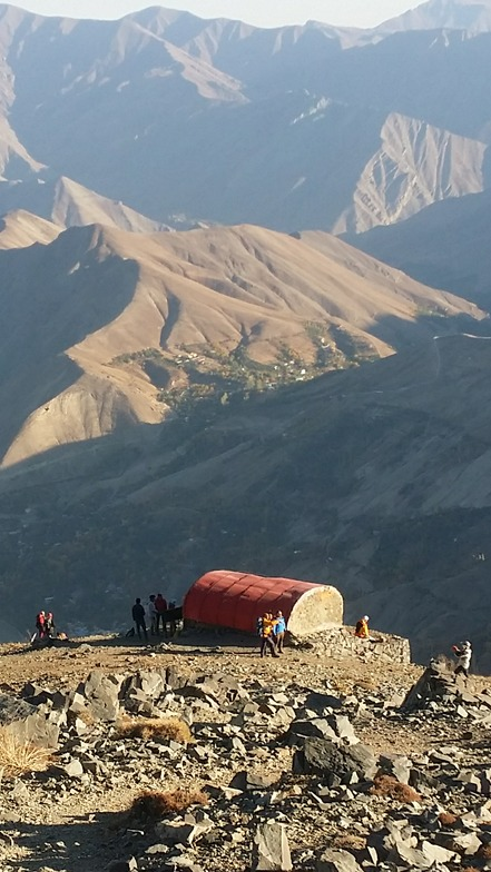mount kahar shellter, Mount Damavand