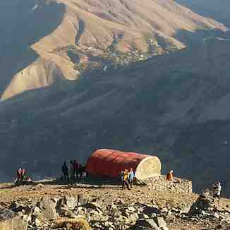 mount kahar shellter, Mount Damavand