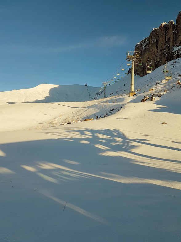 First snowfall of the season, Leysin