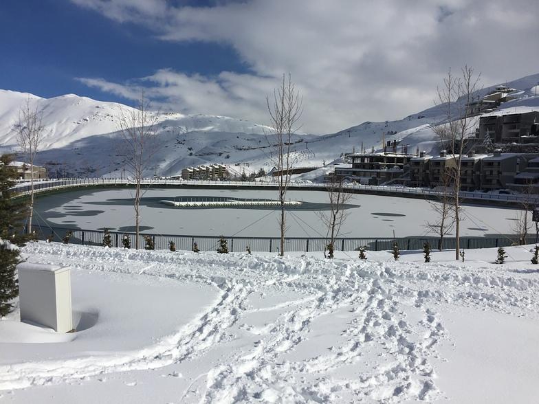 Frozen lake, Zaarour Club