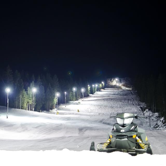 Night skiing, Ravna Planina