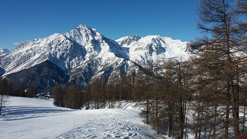 Sauze d'Oulx (Via Lattea) Ski Resort by: Andrew Evans