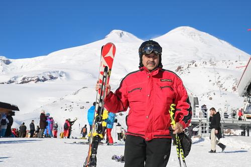 Mount Elbrus Ski Resort by: Александр Тушев