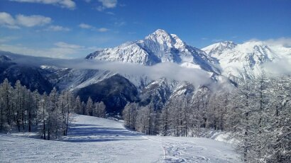 Lovely long red run, San Sicario (Via Lattea)