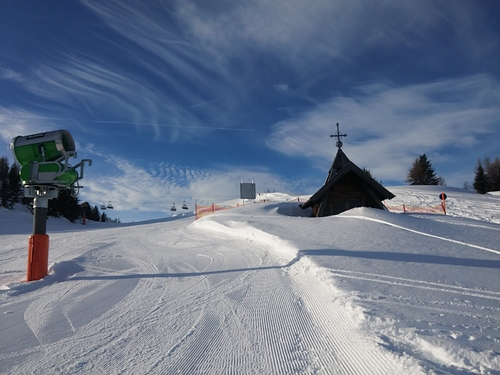 Waidring Ski Resort by: frank