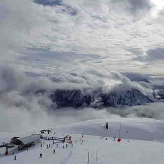 Up above the clouds, Champagny