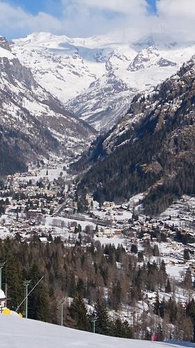 Gressoney-Saint-Jean Ski Resort by: Steve Playford