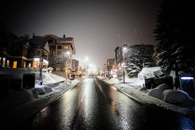 At night, Niseko Grand Hirafu