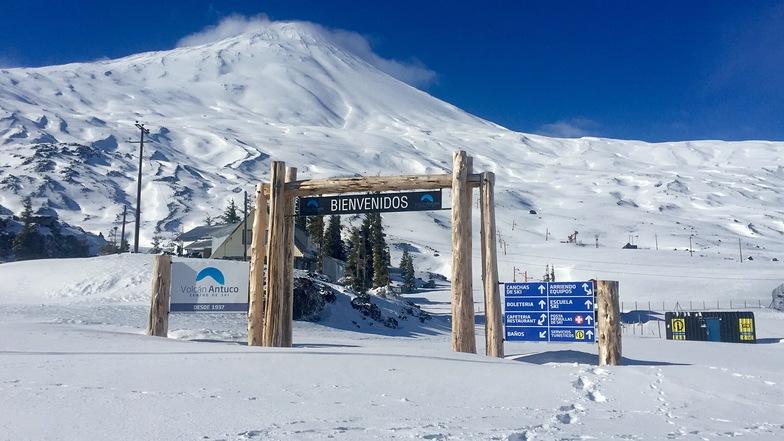 portal entrada centro de ski volcán Antuco