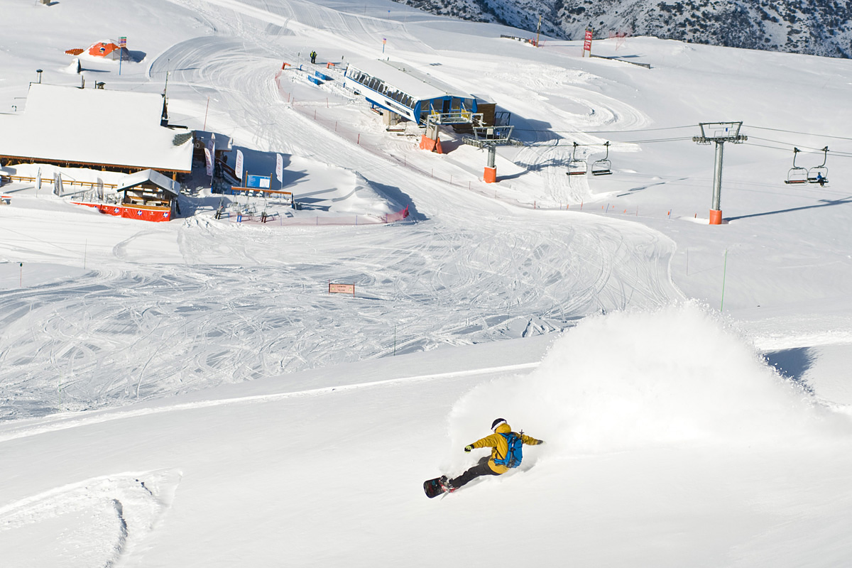 snowboarding in Valle Nevado