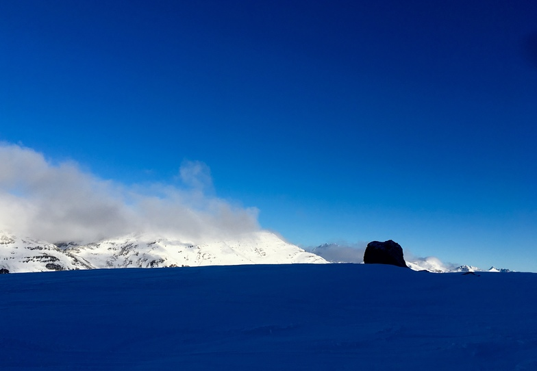Piedra negra, Cerro Castor