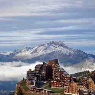 Avoriaz Snow: First snow on the peaks.