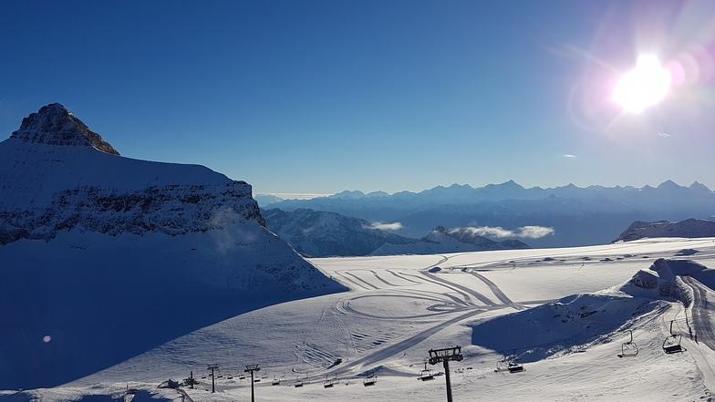 A wonderful ski day, Gstaad Glacier 3000