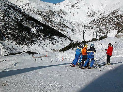 Vall de Núria Ski Resort by: Juan Ranera