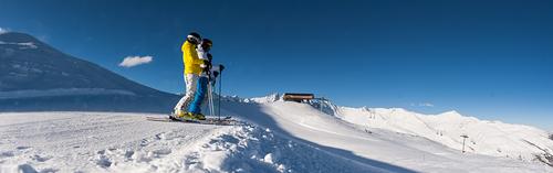 Valloire Ski Resort by: Valloire