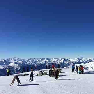 View into blue, La Plagne