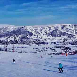 View from Bjodnahovda across to Gullsteinhovda, Geilo