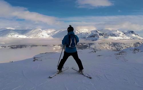 Hemsedal Ski Resort by: Robert Lee