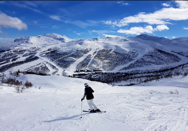View towards main pistes and Totten, Hemsedal